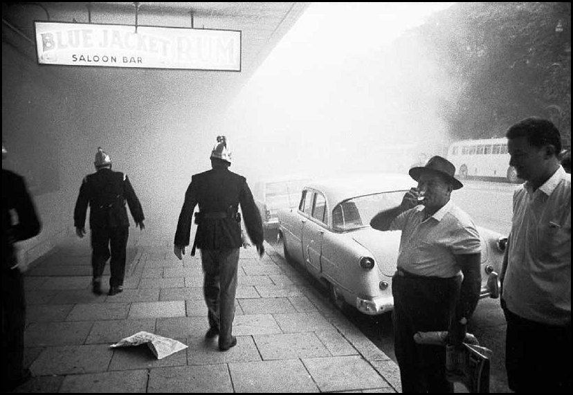 Bondi Junction pub fire - c.1966